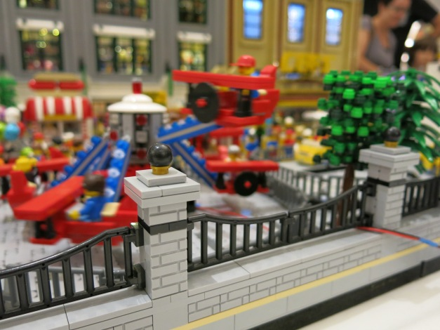 A motorized ride as built by a Brickfête Toronto attendee.